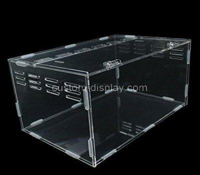 Plexiglass terrarium