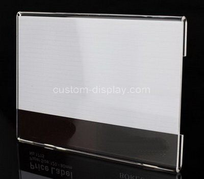 Price tag holder for shelves
