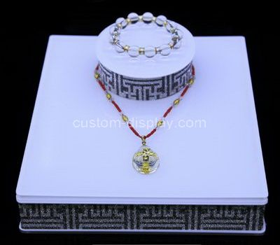 Wholesale jewelry displays