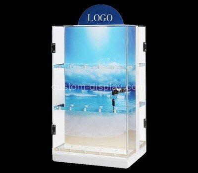 Display cabinet with doors