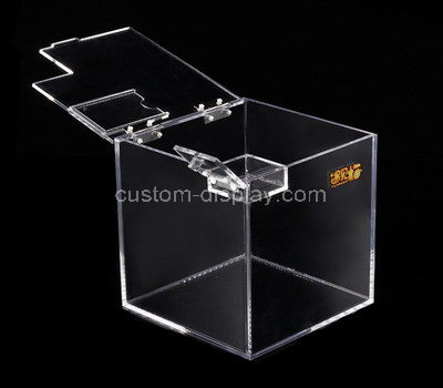 clear plastic box with hinged lid