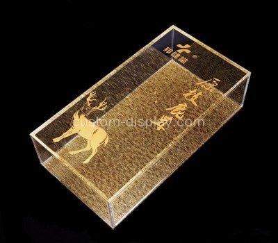 clear plastic display box