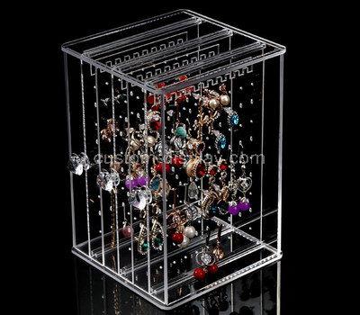 round plastic box