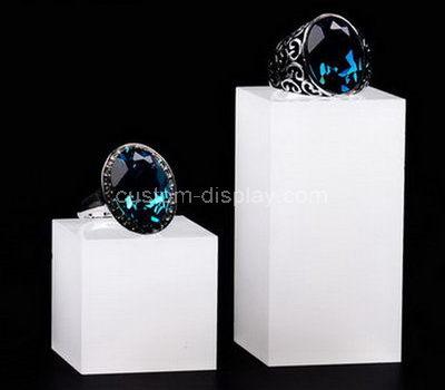 white ring holder