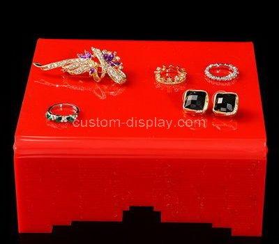 lucite jewellery shop display design