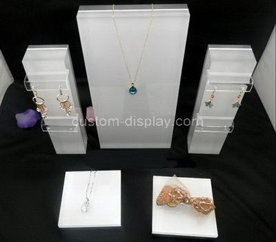 jewelry store display stands