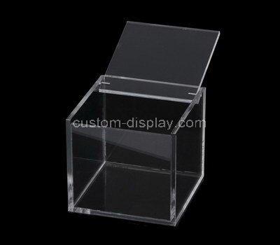 small plastic storage boxes